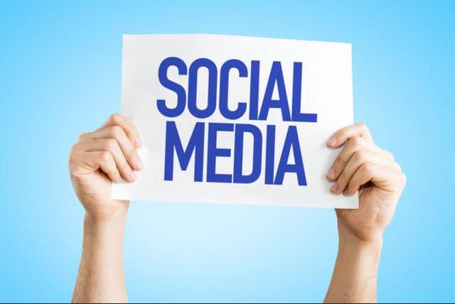 Webové stránky vs sociální sítě