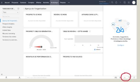 El asistente de Zia de Zoho CRM se encuentra en la barra de herramientas en la parte inferior derecha. Esta herramienta muestra el acoplamiento de la IA y el CRM, una de las nuevas características del CRM del año 2019.