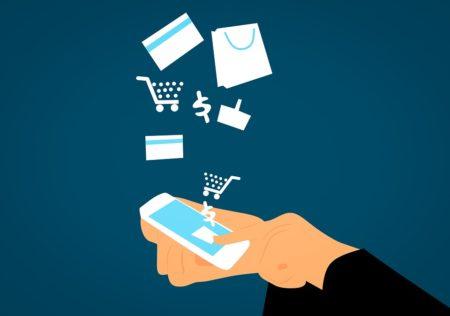Sí, pagar las compras con dinero del móvil no es aún un hábito de los tananarivianos.