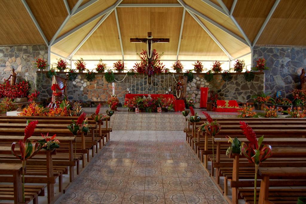 Las iglesias en Nochevieja no están tan llenas como en Navidad.