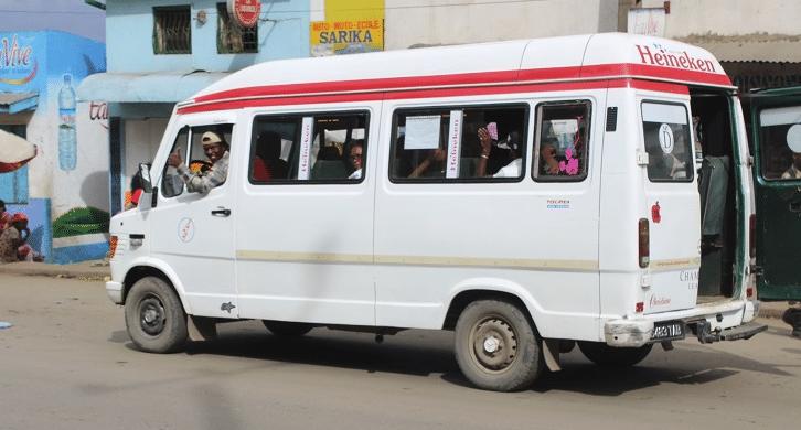 El taxi sigue siendo el medio de transporte más utilizado por los tananarivianos para ir al trabajo.