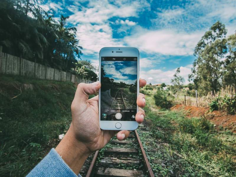La conexión móvil es útil para compartir las fotos de las vacaciones. ¡En Facebook, por supuesto!