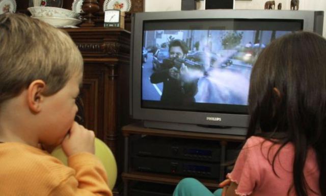 El tipo de escenas violentas que podrían traumatizar a sus niños