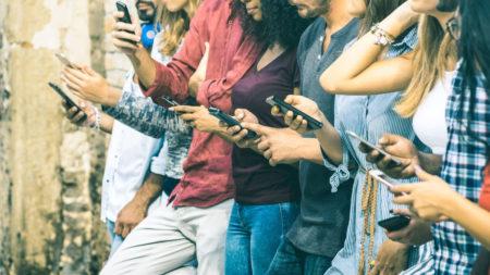 Hoy en día, ¿quién no tiene un teléfono? ... ah, todavía hay un 25% de los Tananarivianos