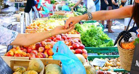 En comparación con las frutas, las verduras se compran con mayor frecuencia en Madagascar