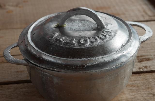 Hliníkový hrnec na vaření Ambatolampy: praktické, odolné a krásně GASY GASY:)