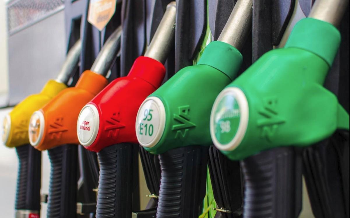 Všichni jsme tak či onak otroci benzínového čerpadla