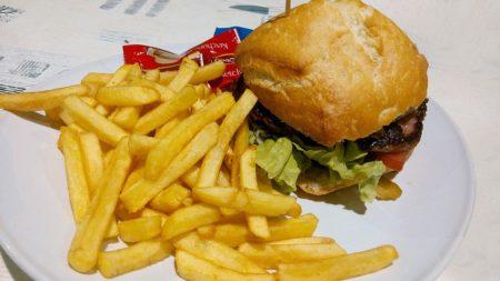 Mezi dobrým jídlem připraveným doma a rychlým jídlem, což je lepší?